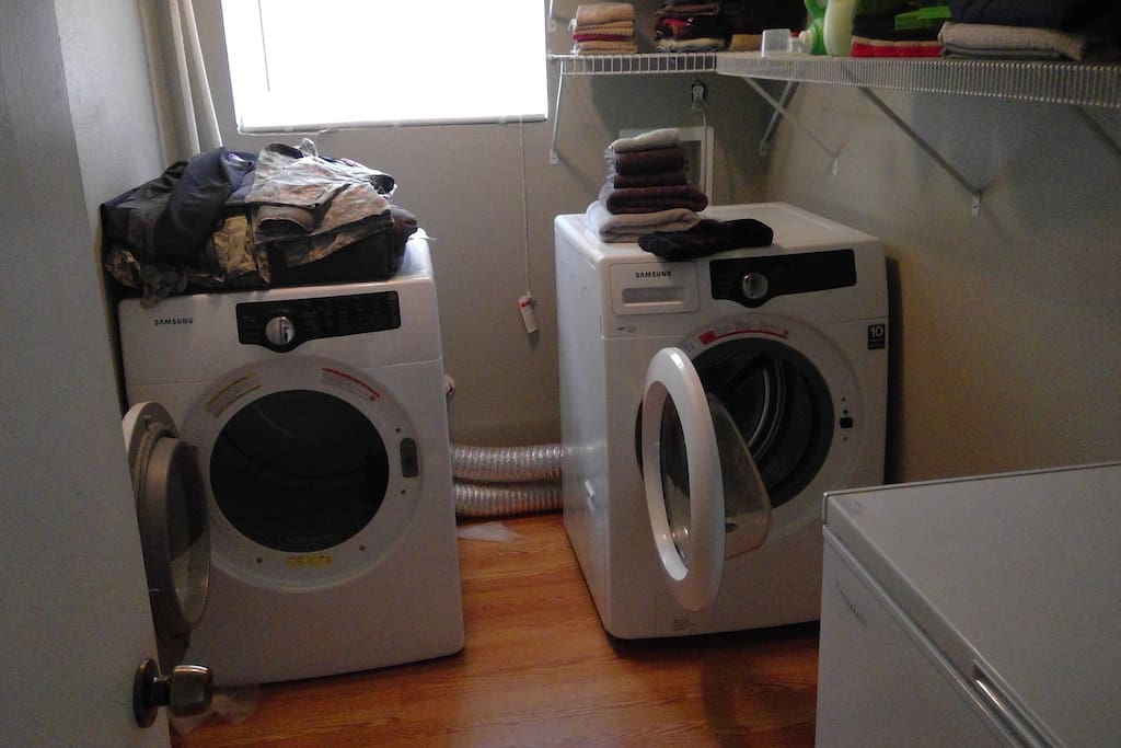 LAUNDRY ROOM, SPACIOUS AREA.