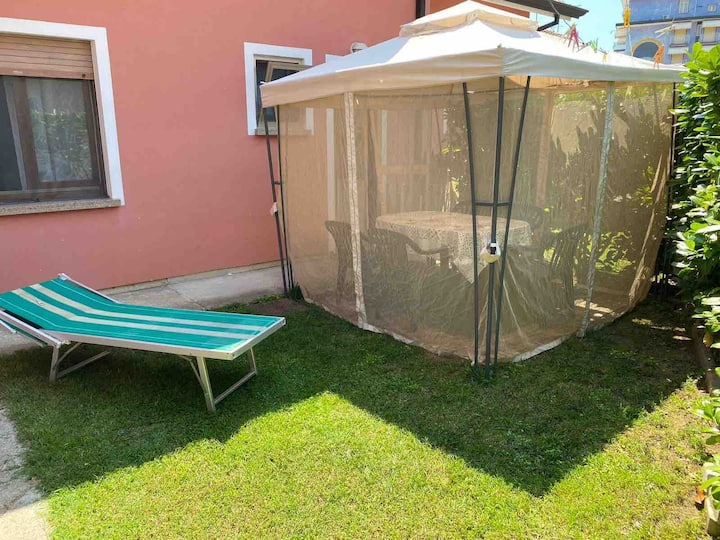 JESOLO VILLA 7 PERSON,GARDEN, 200mt from the beach