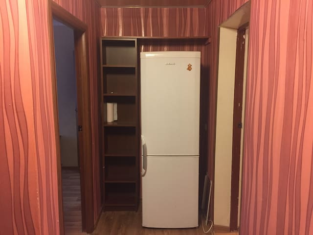 Коридор (вход в разные комнаты)