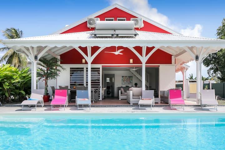 Jolie villa avec piscine  proche golf marina plage