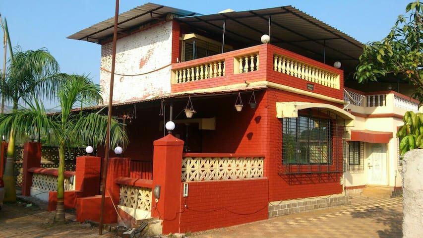 Red Pool Bungalow - Lonavala - Villa