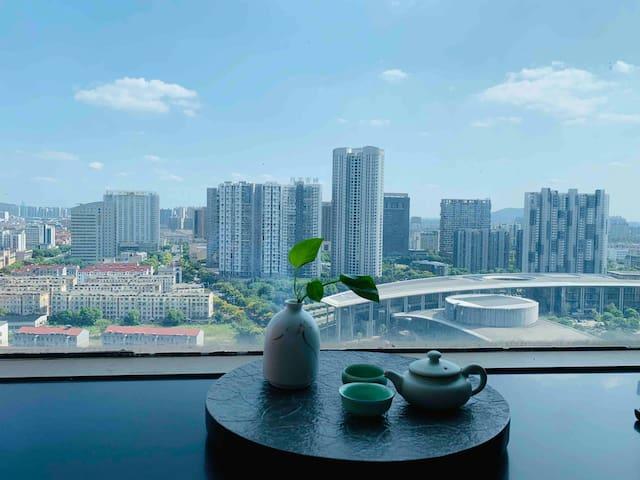 整套房 江阴市 俯瞰城市夜景 loft高级酒店式公寓房两层跃式 自行入住 快捷
