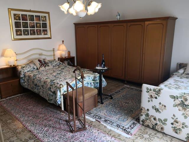 Spaziosa stanza privata