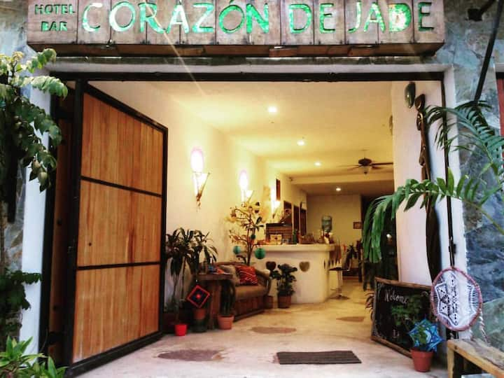 Centraly Located Boutique Corazón de Jade