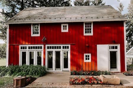 Farm House on 100 Acre Farm near Lititz - Sleeps 8