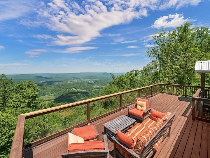 Peach Bluff House -  Southern Hospitality On The Bluff Of Lookout Mountain
