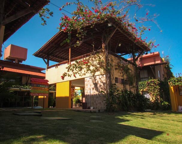 Apartamento de 3 Quartos em Cond. a Beira Mar