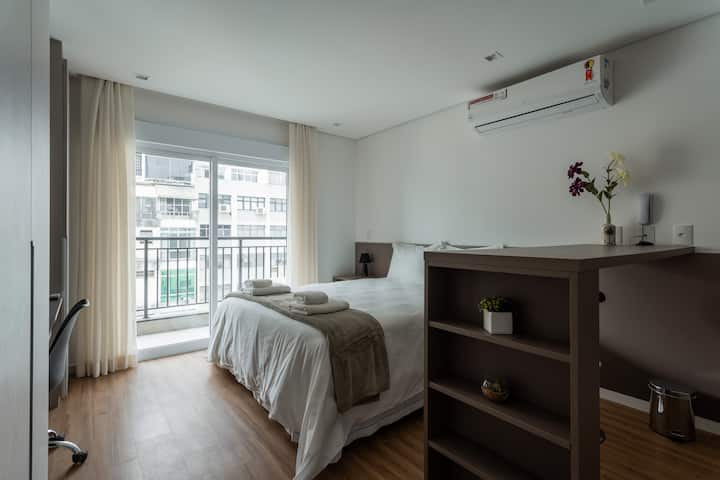 APM1305 Nice Studio With Balcony In Downtown area
