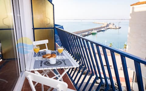 Lovely apartment with spectacular sea views