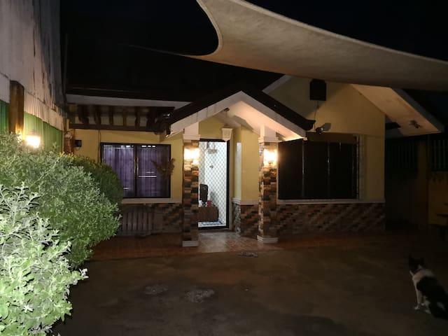 2 Bedroom House in Sunrise Village