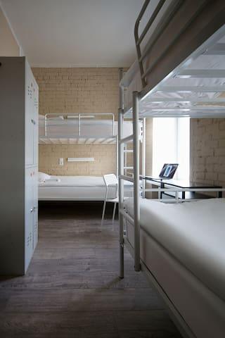 Кровать в 4-местном номере DreamON