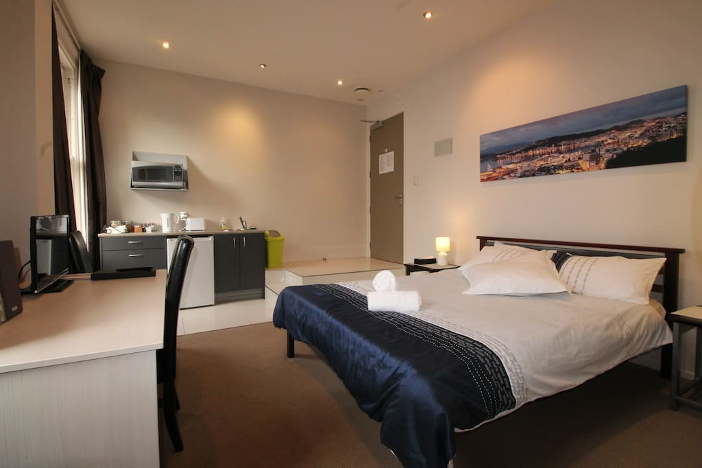 Private studio flat in city center cuba st flats for for House sitter wellington