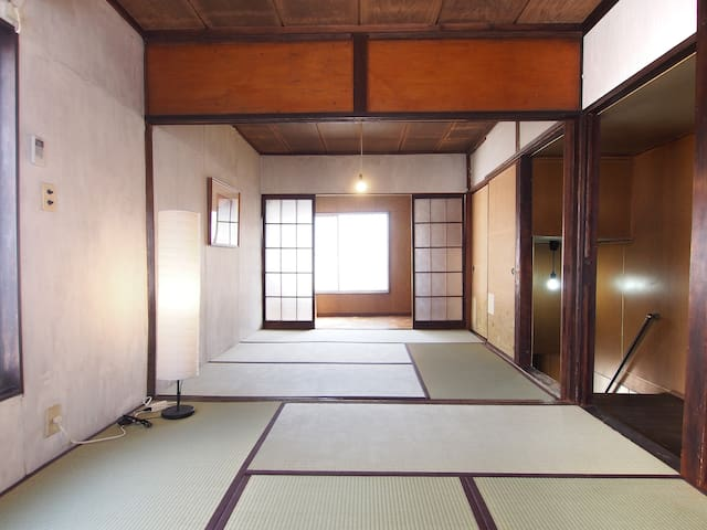 A traditional house in Nezu, 5 min from Nezu sta. - Bunkyō-ku - 獨棟