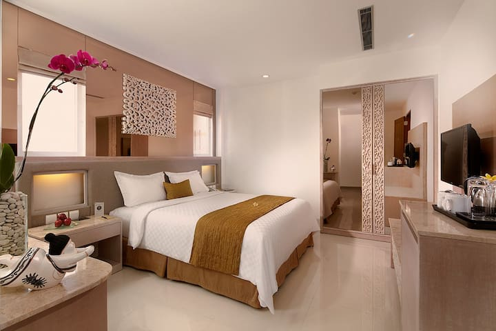 Luxury Room Step Away,Kuta Beach, Shopping Centre