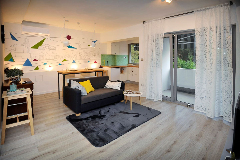 dnevna soba i kuhinja