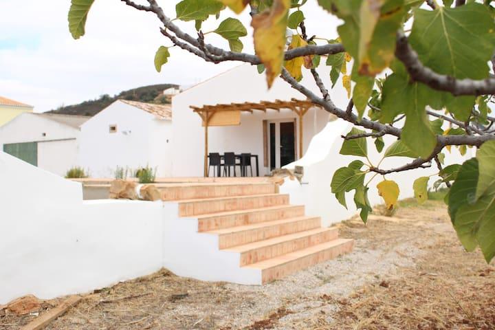 Macrame House, your Family Home (20 min to Beach)