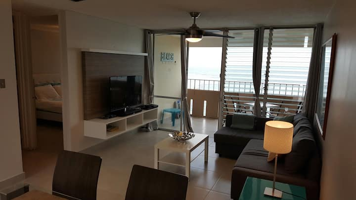 Beautifull beachfront apartment on 17th floor