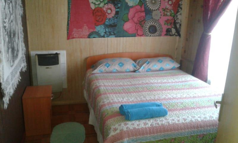 Habitacion cama 2 plazas, calentador.