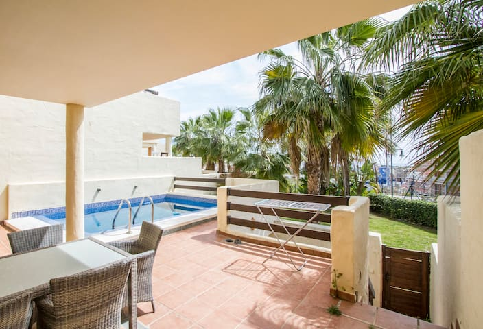 Very luminous house with terrace and pool 8 - Estepona - Huis