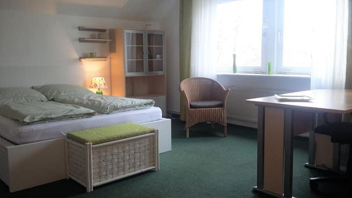 Großes Privatzimmer im Grünen von Berlin