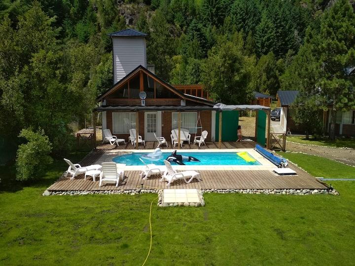 Golden House | Casa-Quincho con piscina y solarium