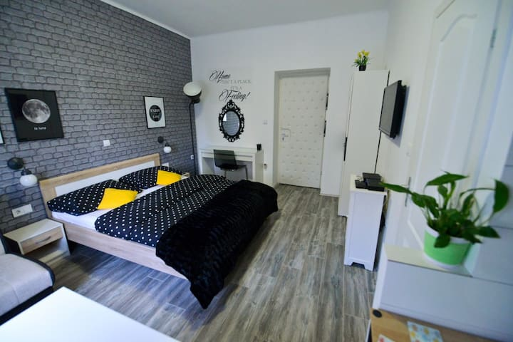 Studio Rosa (center)- self check-in - Zadar - Appartement