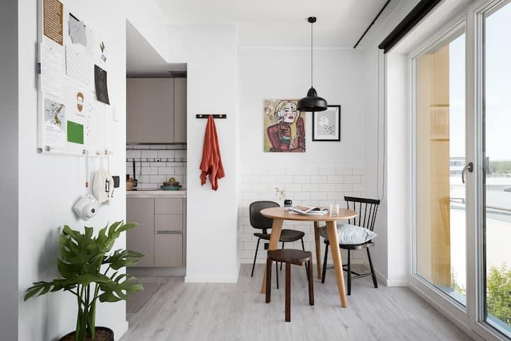 Spacious Studio Suite In Creative District