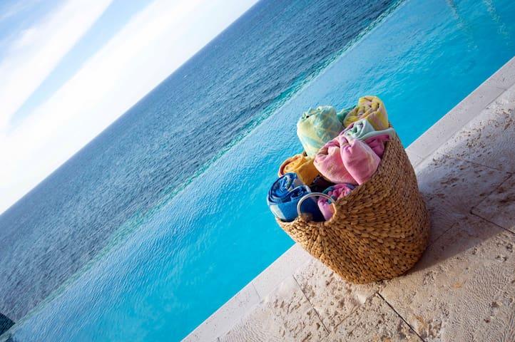 Je Suis Content Villa, Jamaica. Book now, save 10%