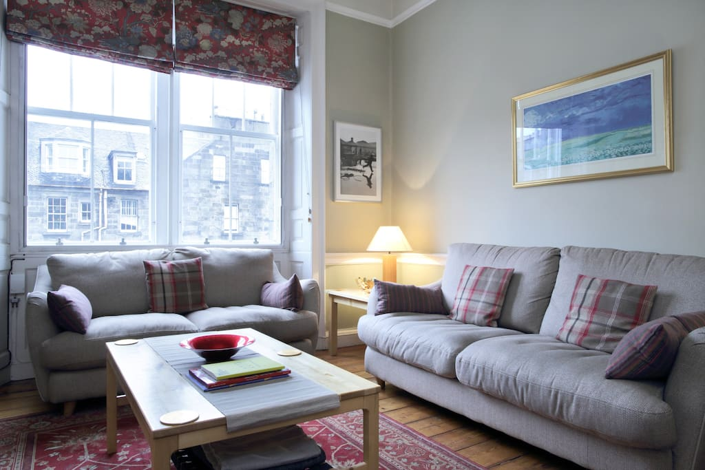 Comfortable sitting room in heart of Edinburgh
