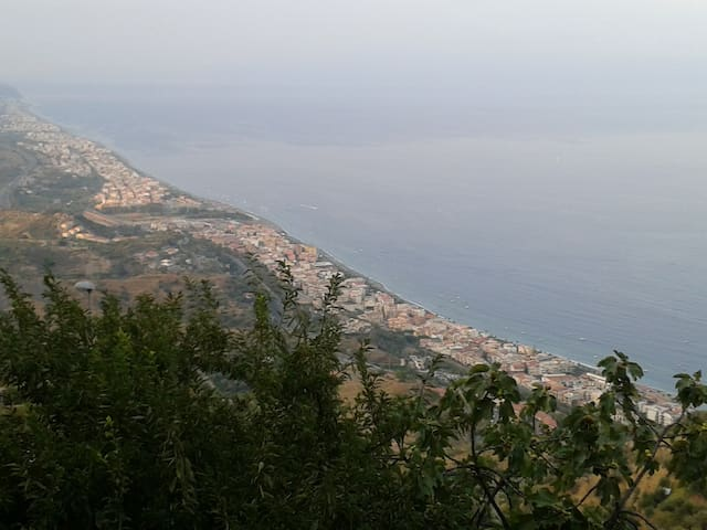 A few steps from the seaside and Taormina - Roccalumera - Daire