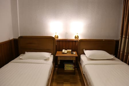 Silver Swan 601 Affordable Standard Room