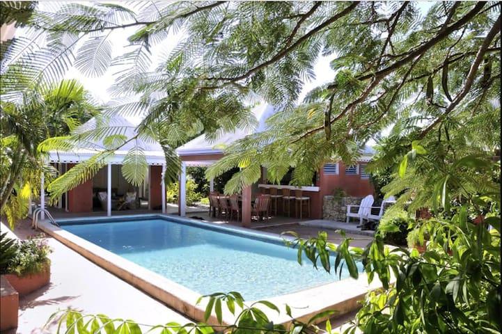 Private Studio at Luxury Villa, Garden and Pool