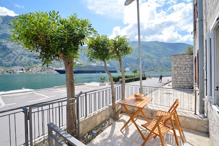 1BR   SEAFRONT   Stunning view and private terrace