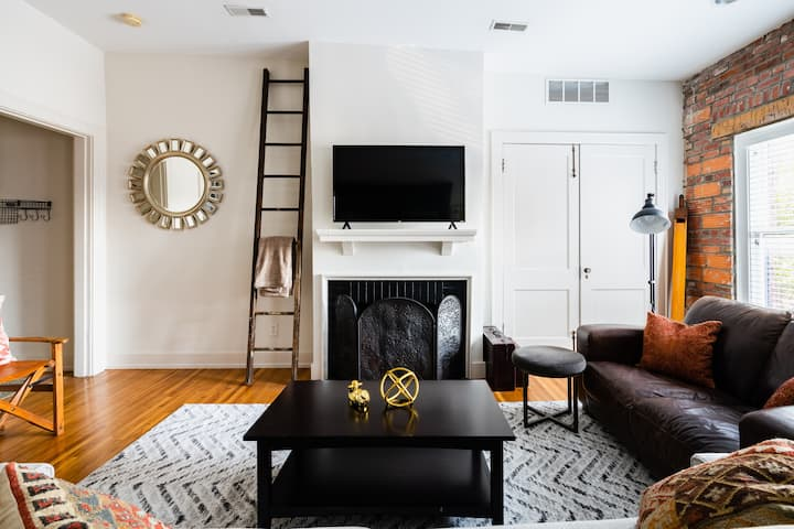 The Short North Retreat II - Free Private Parking