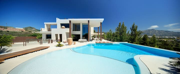 Contemporary Villa, Golf La Alquería, Benahavis, Marbella