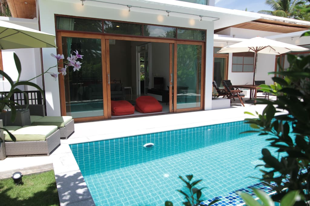 10 Metre Swimming Pool & Master Bedroom