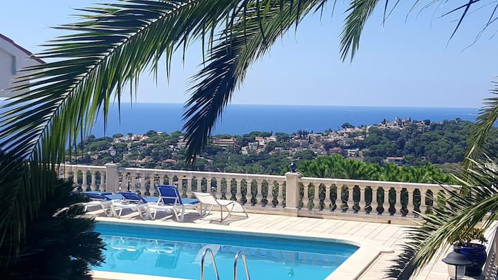 V&V LLORET-preciosa villa vistas mar y piscina