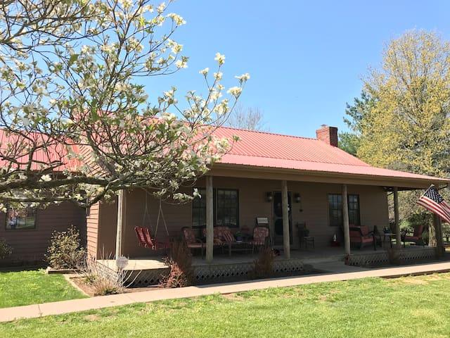 Peaceful Country Suite:The Farmette Near Lexington