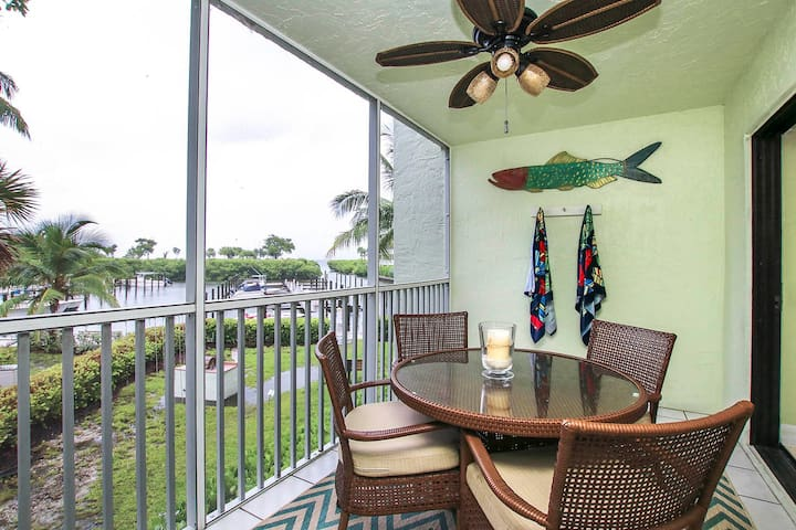 SOUTH SEAS BAYSIDE VILLA 4102- PERFECT CONDO FOR A COUPLE OR SMALL FAMILY!