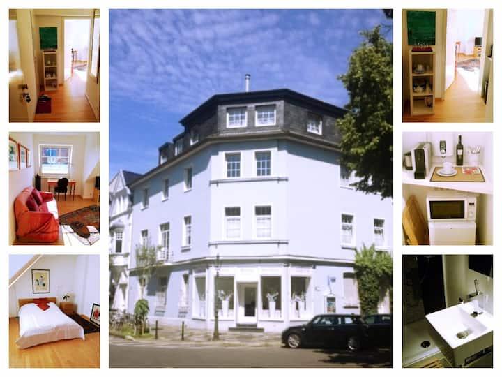 cosy, quiet apartment in trendy Oberkassel