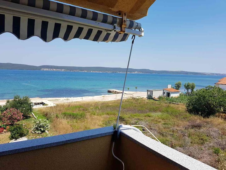 Apartment with one bedroom in Dobropoljana, with wonderful sea view, furnished balcony and WiFi - 20 m from the beach