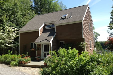 Lovely riverfront home, Maine's prettiest village - Wiscasset - Rumah
