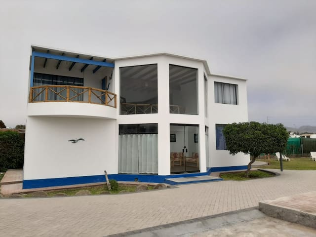 Airbnb Asia Vacation Rentals Places To Stay Lima
