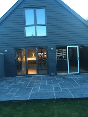 Mordren , Comfortable and Clean - Aberdeen - House