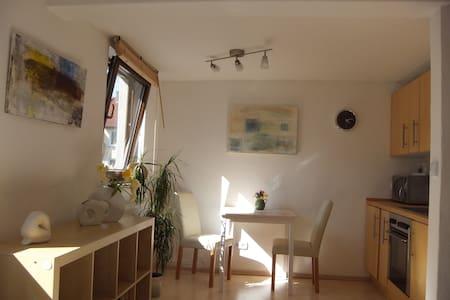 Nice 2-room appartement - Stuttgart