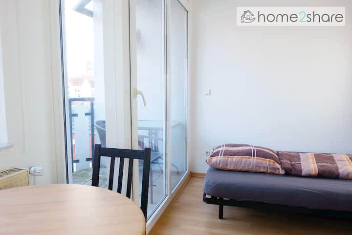 Central apartment with Netflix | home2share