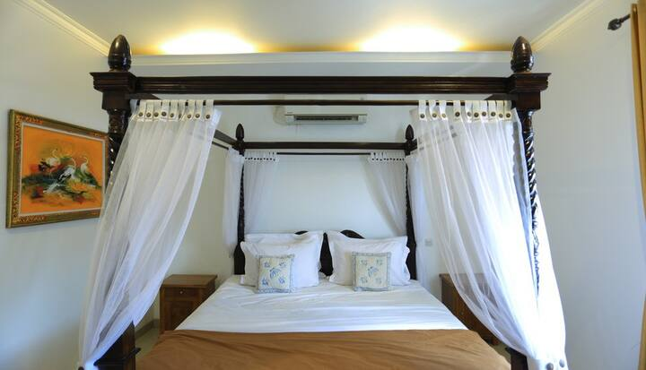 Superior Classic Luxury Room In Baciro Yogyakarta