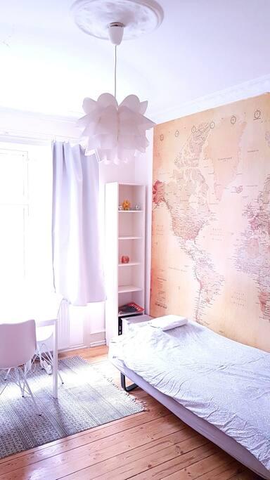 Living room with single bed 90×200 cm (medium hard mattress)