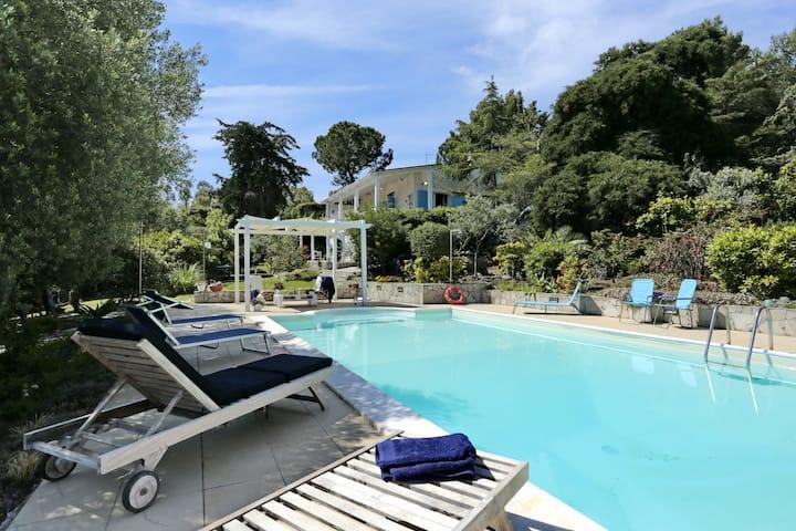 Alghero, Villa Smeralda con piscina -  IUN: P4633