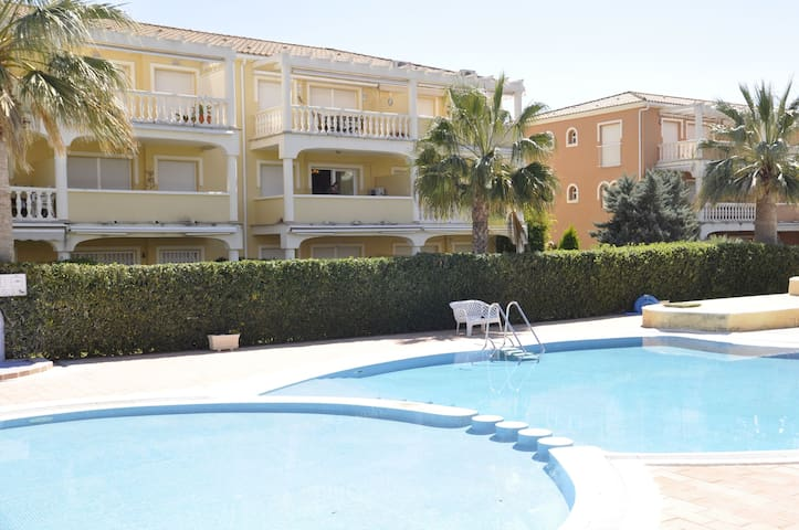 ESTRELLA BLANCA - 2 Bedrooms, only 1.5 km. from Dénia, WiFi.